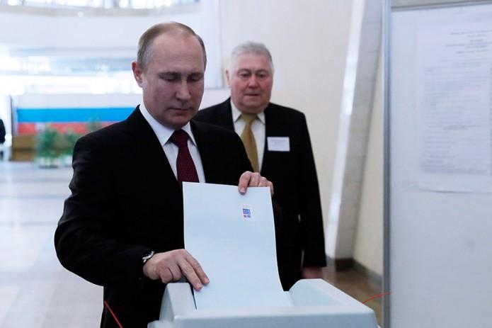 Борис Титов проголосовал вАбрау-Дюрсо навыборах Президента России
