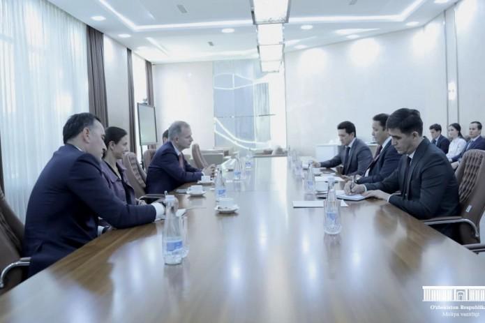Узбекистан и ЕБРР подписали соглашение о проведении первой тестовой своповой операции
