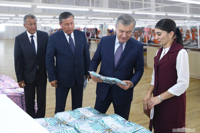 Шавкат Мирзиёев ознакомился с деятельностью предприятия «Xon tex city»