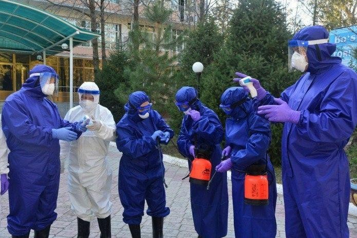 102 инфицированных коронавирусом были за границей, 161 был в контакте с ними