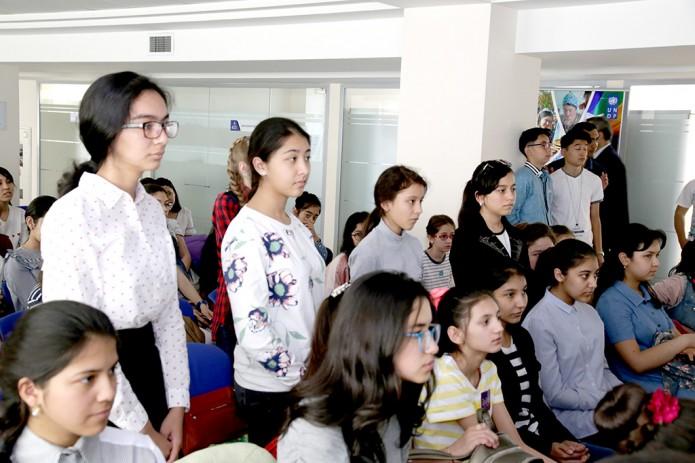 60 девушек приняли участие в первой образовательной программе DigiGirlz