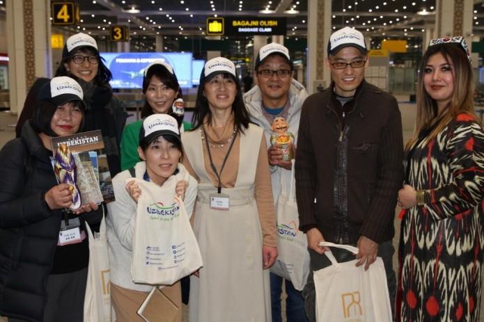 Заместитель главы Госкомтуризма встретил туристов из Японии