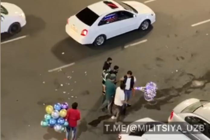 Бомба замедленного действия: В ГУВД объяснили, почему сотрудники изъяли у торговцев воздушные шары и пустили их в небо