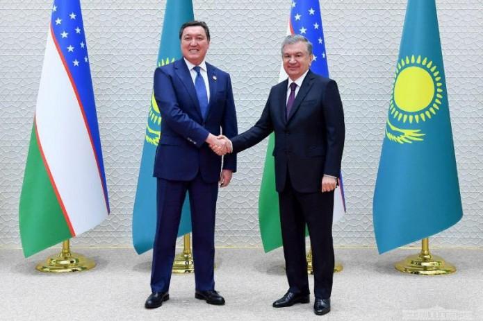 Президент Узбекистана принял Премьер-министра Казахстана
