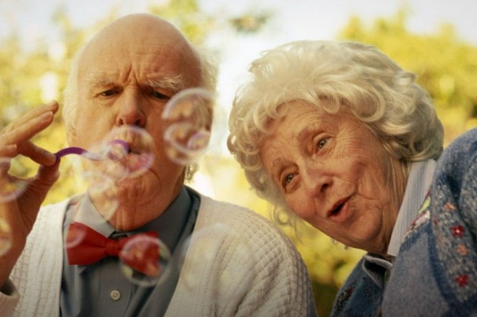 Установлено, что естественная продолжительность жизни человека - 38 лет. Почему мы живем дольше?