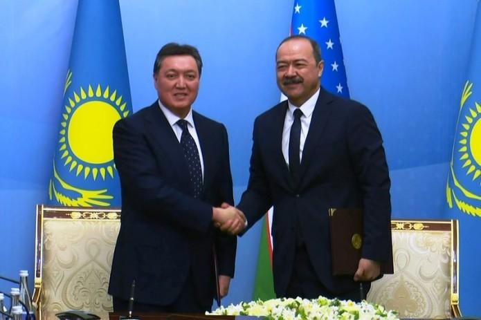 Узбекистан и Казахстан подписали соглашения на $500 млн.