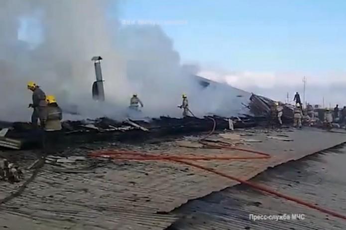 В Андижане спасатели МЧС ликвидировали пожар на производственном объекте