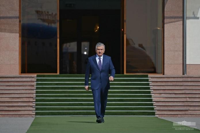 Шавкат Мирзиёев отбыл с официальным визитом в Таджикистан