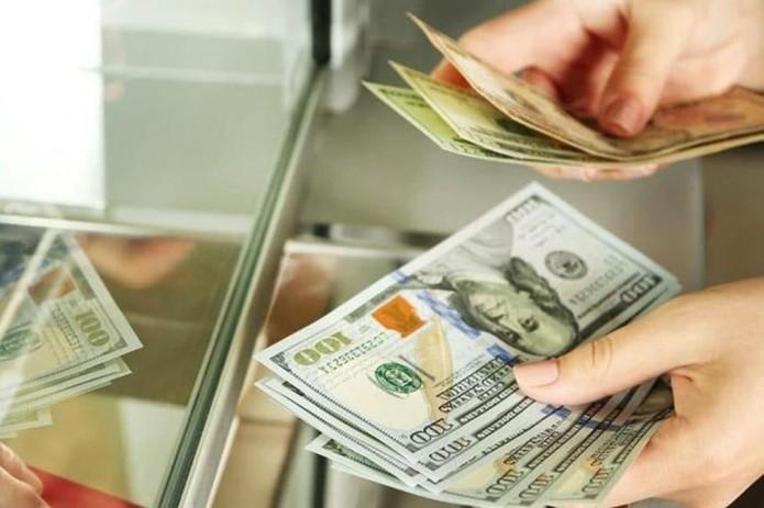 За 5 месяцев объем денежных переводов в Узбекистан составил $2,6 млрд.