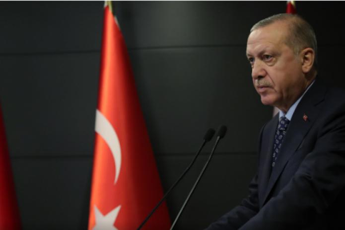 В Турции людям младше 20 лет запретили выходить на улицу