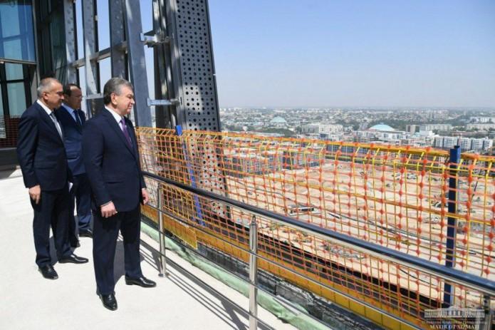 Президент Шавкат Мирзиёев посетил строительную площадку Tashkent City |  UzReport.news