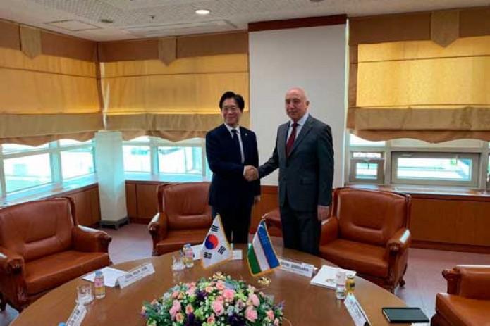 Корейские инвесторы будут развивать фармацевтическую отрасль Узбекистана