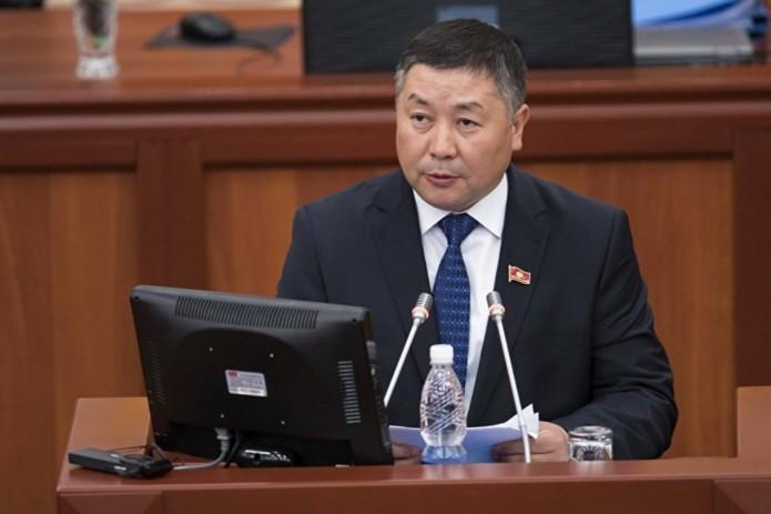 Канат Исаев официально отказался стать и. о. Президента Кыргызстана