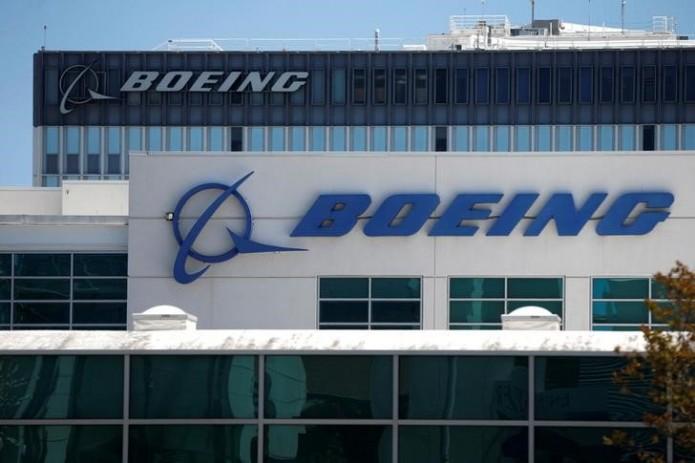 Boeing построила огромный  дрон, способный нести груз весом 225кг
