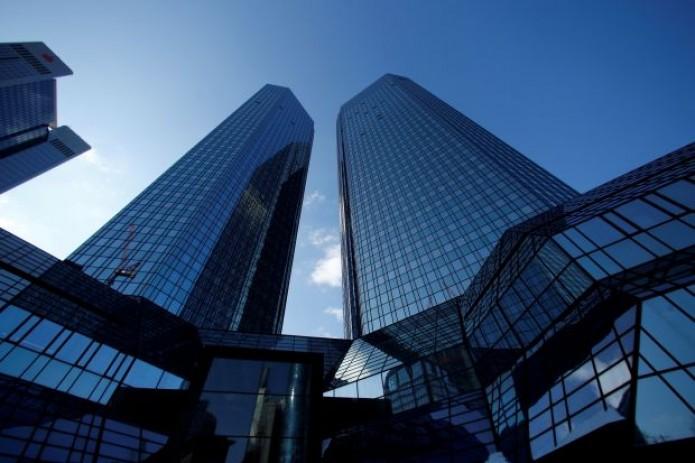 Во Франкфурте обыскали отделения Deutsche Bank по делу об отмывании денег