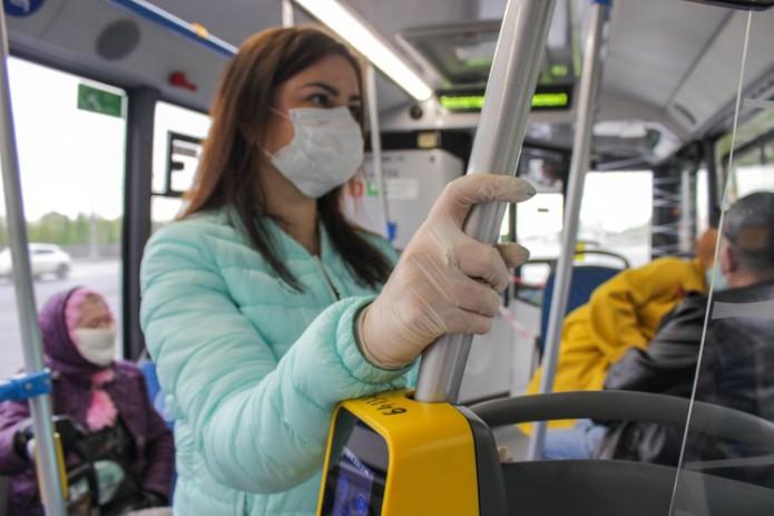 Перчатки в общественном транспорте будут выдаваться бесплатно