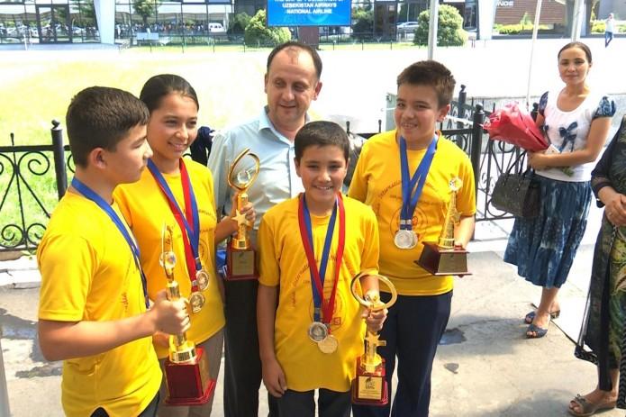 Узбекские школьники завоевали «золото» на математической Олимпиаде в Индии