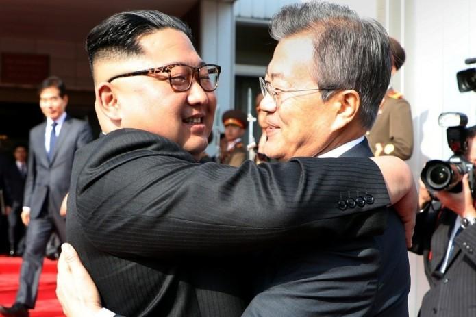 Лидеры КНДР и Южной Кореи встретились второй раз за месяц