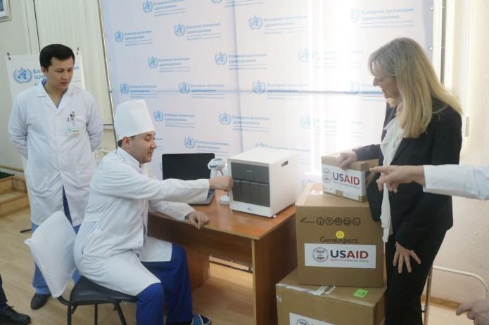 США передали Узбекистану оборудование по ускоренной диагностике туберкулёза