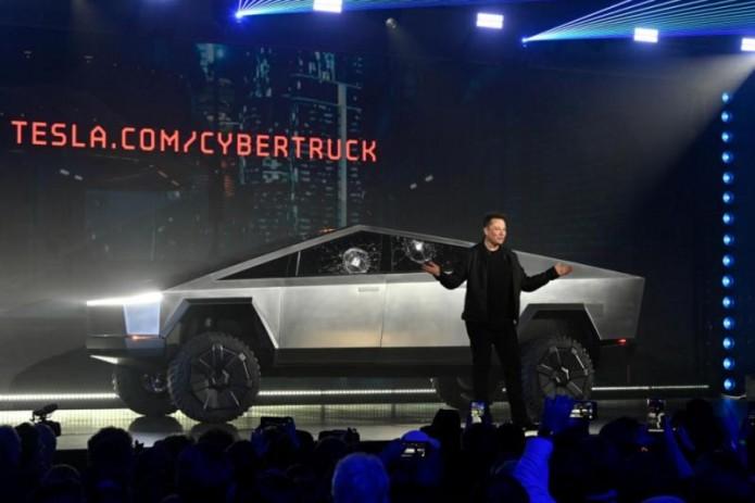 Tesla получила 200 тысяч заказов на электропикап Cybertruck (Видео)