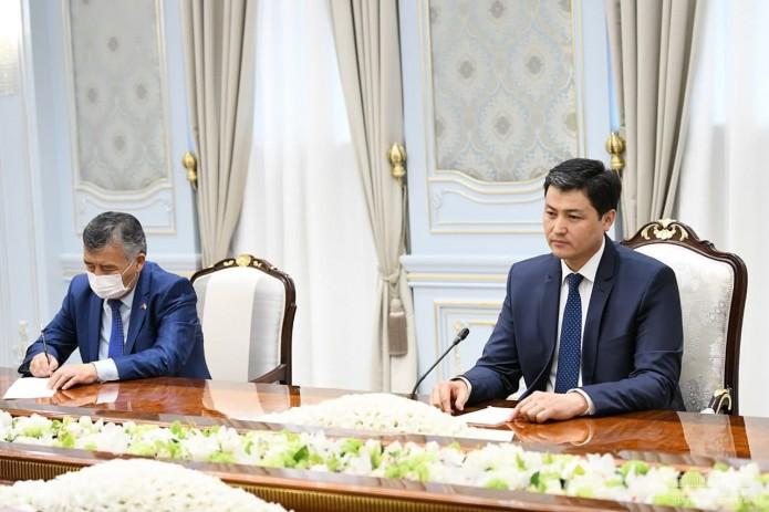 Президент Шавкат Мирзиёев принял премьер-министра Кыргызстана