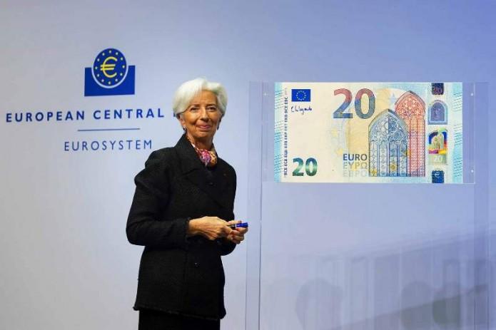 В обороте появятся евро с личной подписью Кристин Лагард