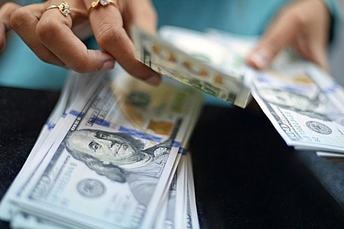 Банки начали продажу иностранной валюты в наличной форме