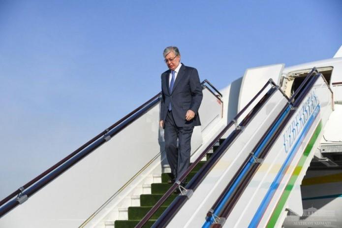 Президент Казахстана Касым-Жомарт Токаев прибыл в Ташкент