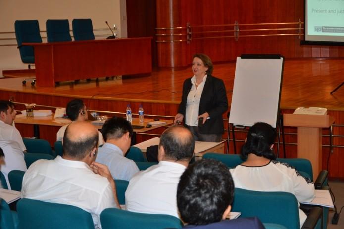 В Ассоциации банков проходит учебный курс по управлению рисками