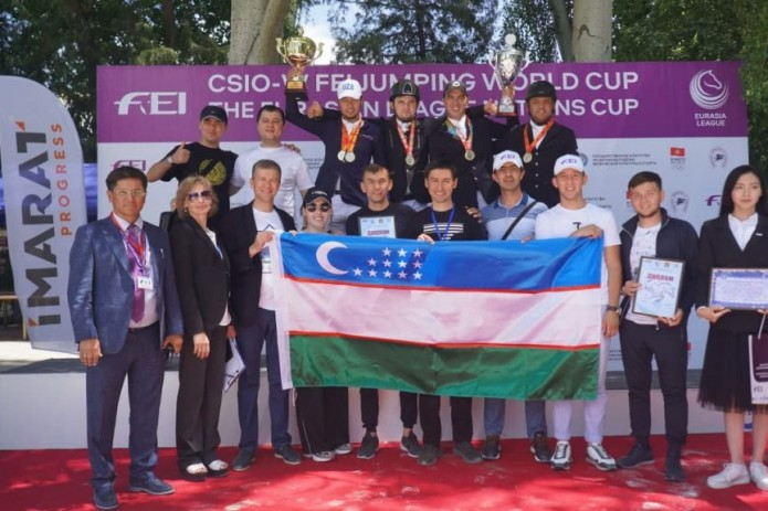 Узбекские всадники завоевали сразу две победы на международных соревнованиях в Бишкеке