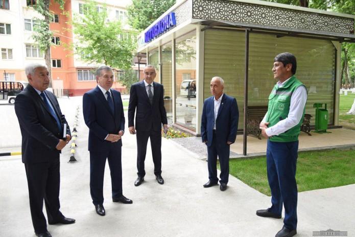 Президент ознакомился с культурными и просветительскими объектами в  Алмазарском районе