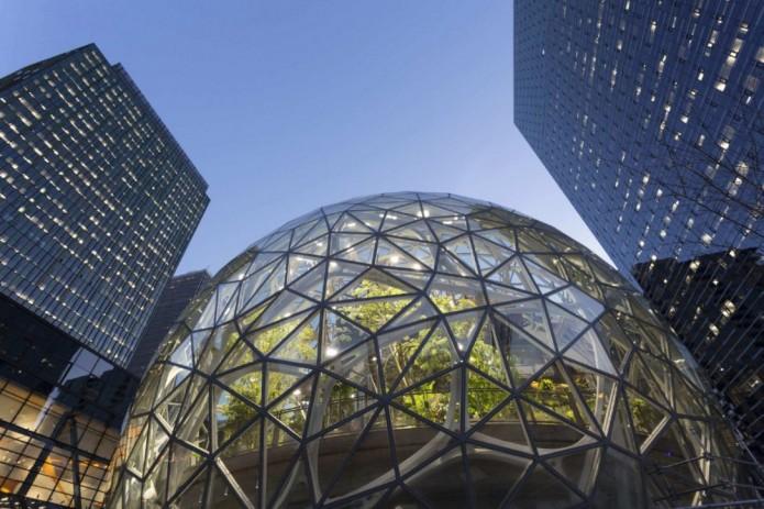 Amazon тропик ўрмон шаклидаги янги офисини очди