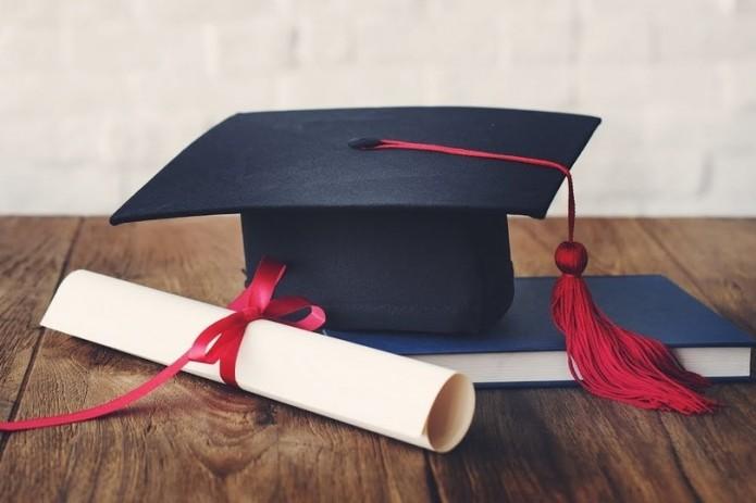 Выпускники вузов не обязаны приносить контракт от работодателей для получения диплома