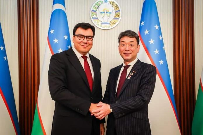 Азиз Абдухакимов встретился с заместителем министра образования Японии
