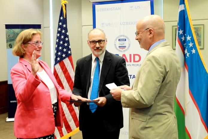 В Узбекистан прибыла первый директор миссии USAID Микаэла Мередит