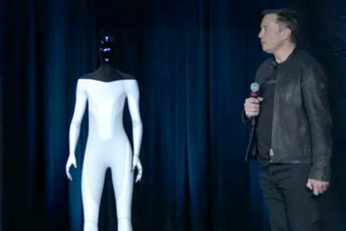 В 2022 году Tesla представит прототип первого робота-гуманоида
