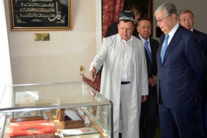 Казахстанские парламентарии прибыли вУзбекистан