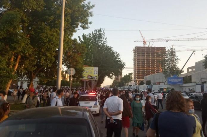 В «Узбекистон темир йуллари» прокомментировали внезапную остановку поезда метро на станции «Новза»