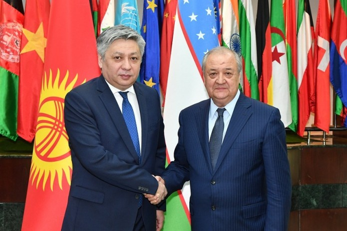 МИД Узбекистана и Кыргызстана подписали Программу сотрудничества на 2018-2019 годы