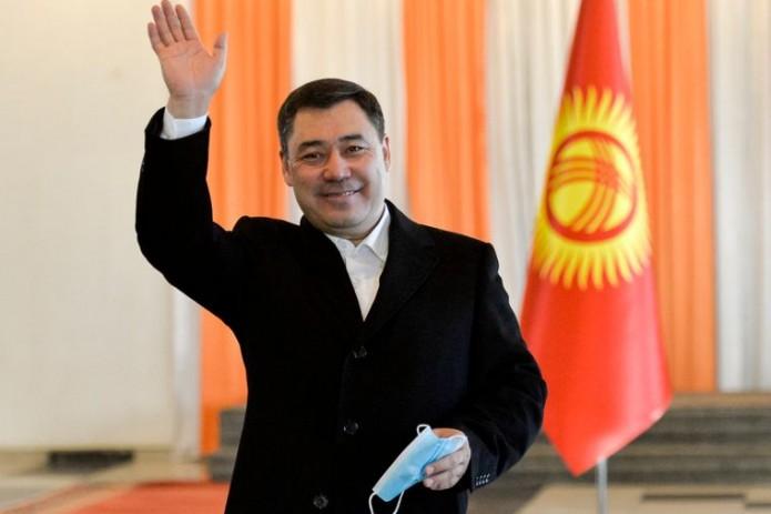 В Кыргызстане завершились досрочные выборы президента и референдум