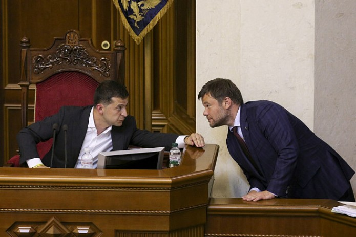 Президент Украины Зеленский сменил главу администрации, близкого к Коломойскому