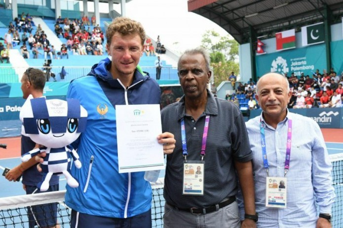 Denis Istomin wins Asian Championship