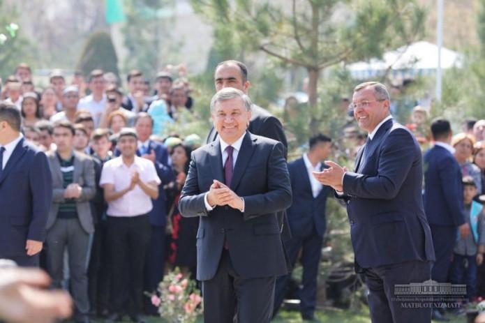 Президент посетил Самарканд и принял участие в торжествах по случаю Навруза