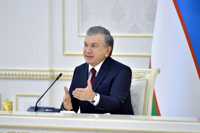 Президент поручил увеличить поставки продовольствия и стабилизировать цены на рынке