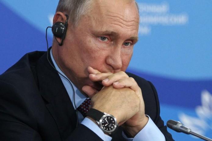 Уровень доверия Путину за два года снизился почти вдвое