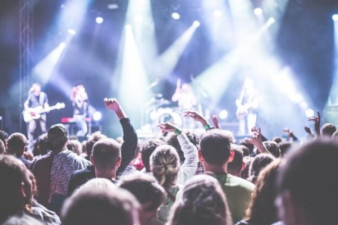 В Узбекистане разрешили проводить концертно-зрелищные мероприятия