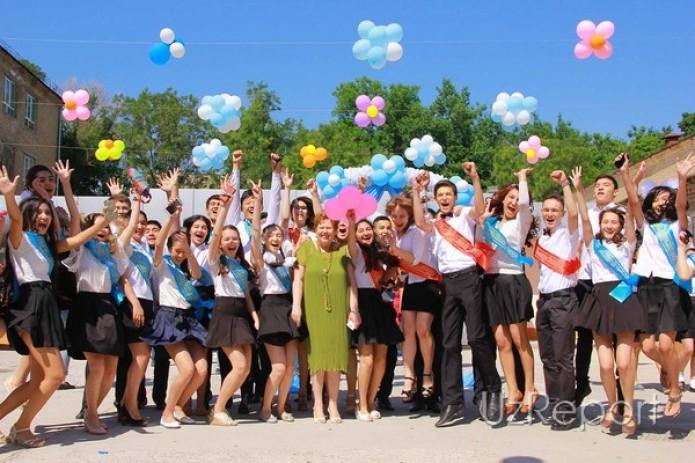 Во всех школах Узбекистана прозвенел последний звонок