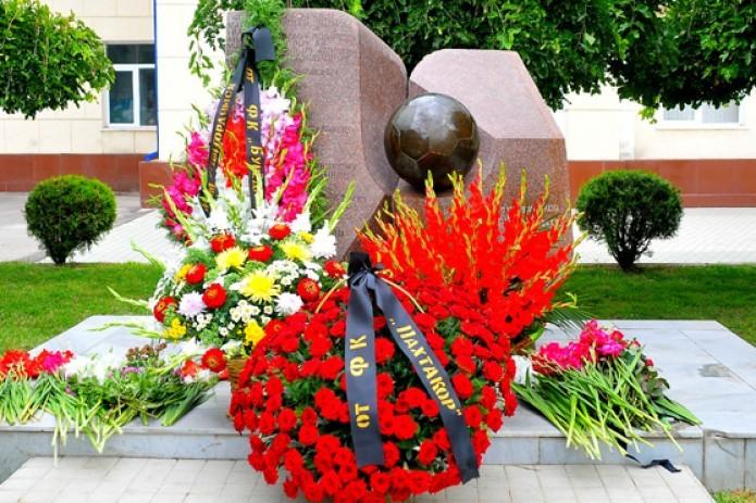 """Сегодня исполнилось 38 лет со дня трагической гибели команды """"Пахтакор-79"""""""