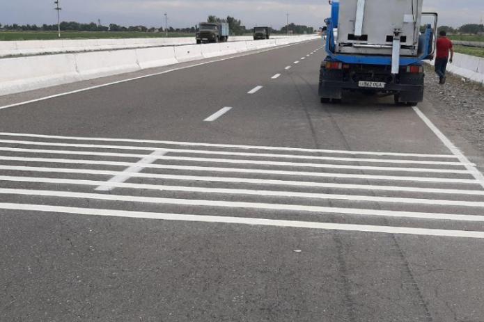 Шумовые разметки появились на межобластных дорогах Узбекистана