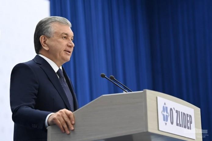 Шавкат Мирзиёев провел встречу с навоийскими избирателями